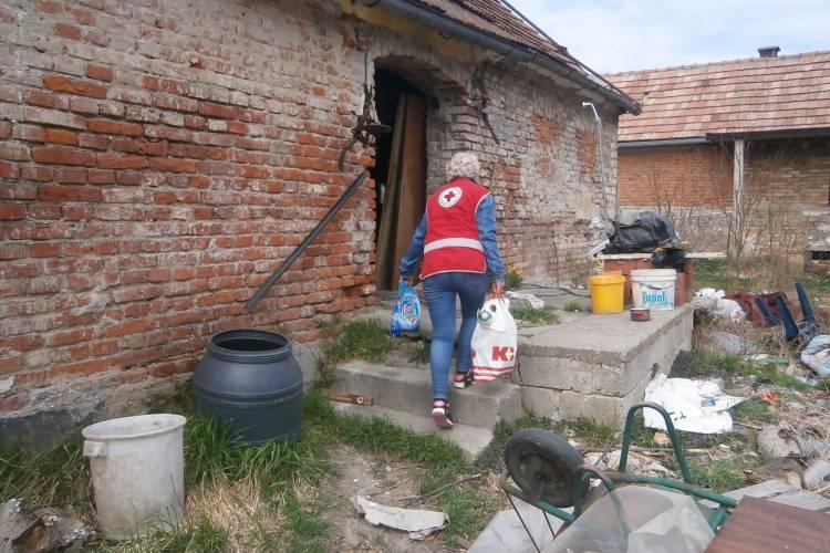 Paketi pomoći za potrebite – podijeljeno 2,2 tone pomoći